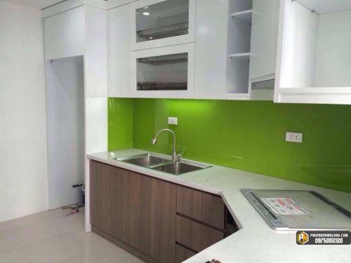 Kính ốp bếp màu xanh lá cây