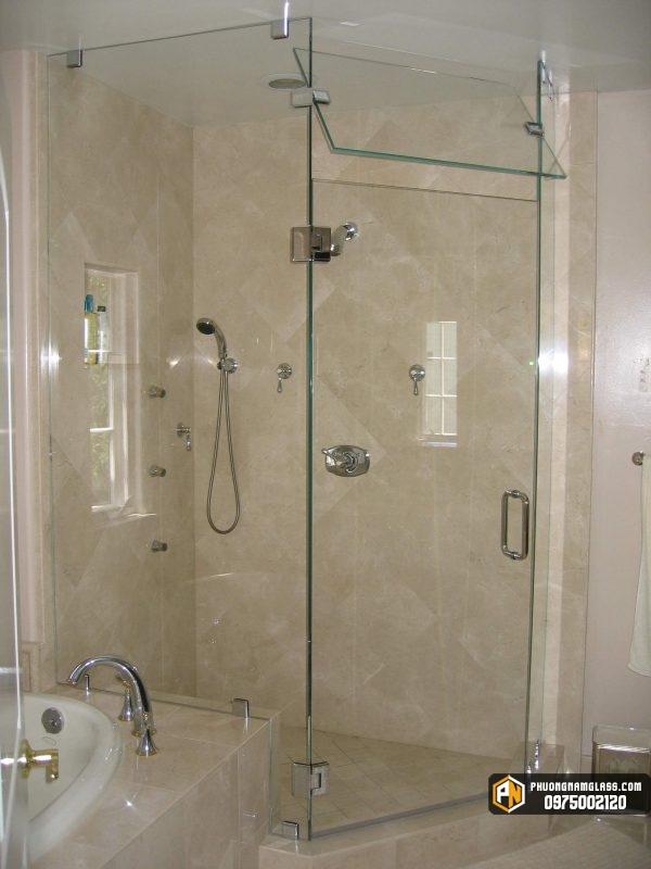phòng tắm kính ở bình dương