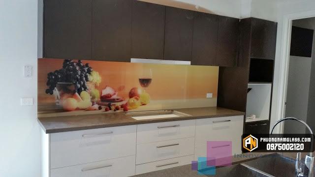 Mẫu kính ốp bếp 3d hoa quả