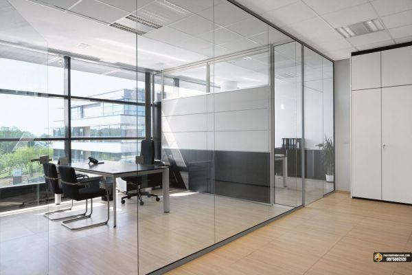 Vách kính văn phòng hiện đại