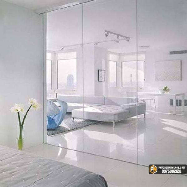 Vách ngăn phòng ngủ bằng kính